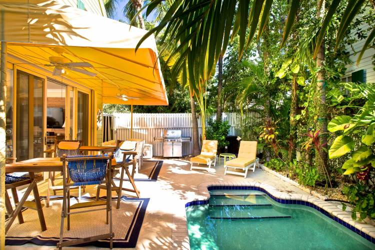 poolside at Cayo Limon