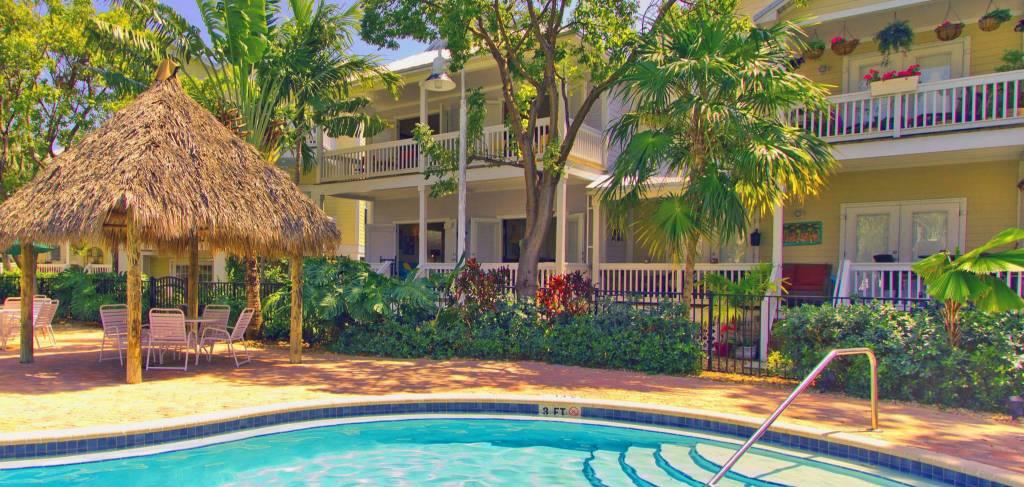 island days pool