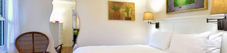 solaris cottage bedroom